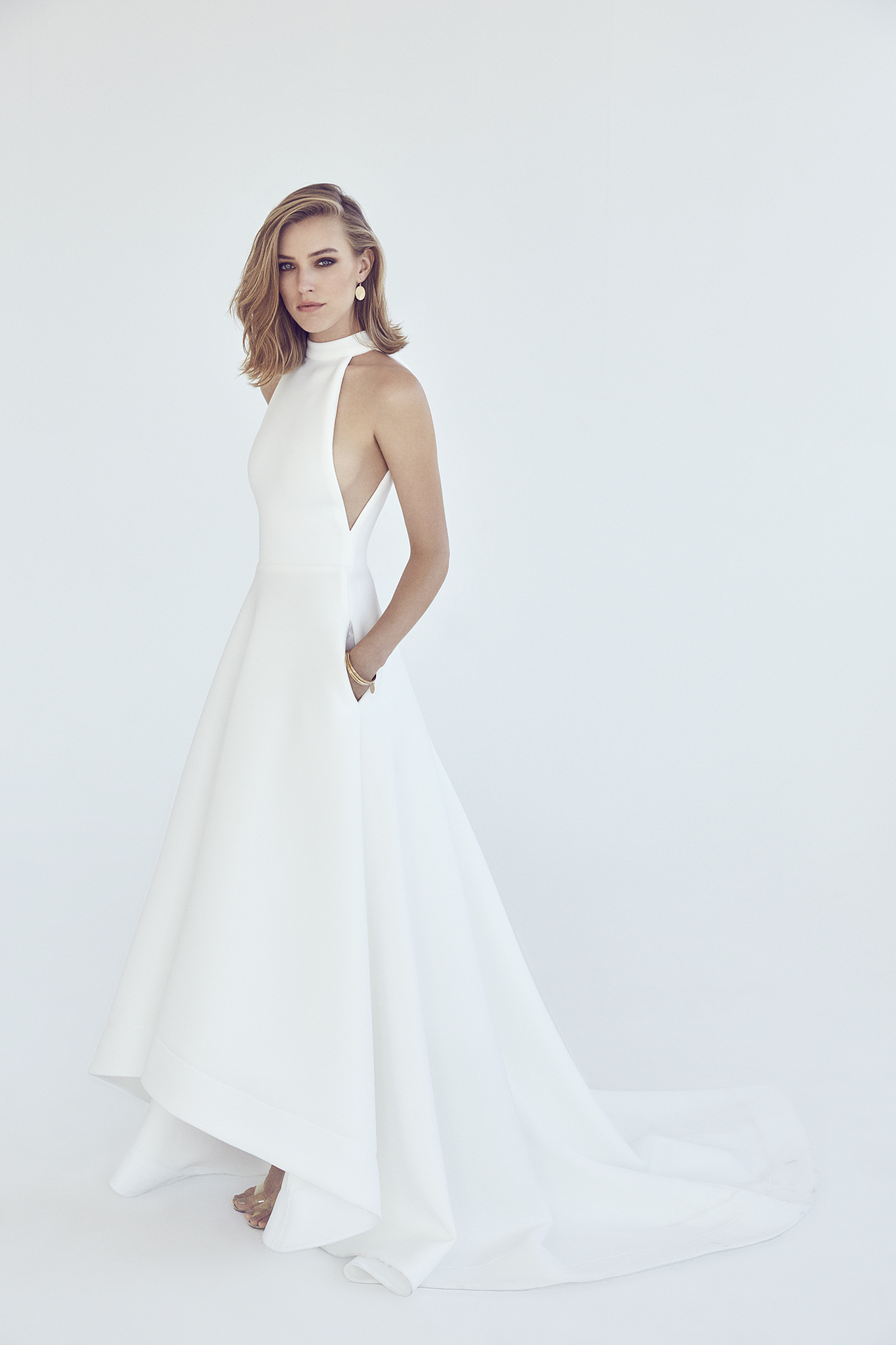 Futuristic Gown by Suzanne Harward   LOVE FIND CO.