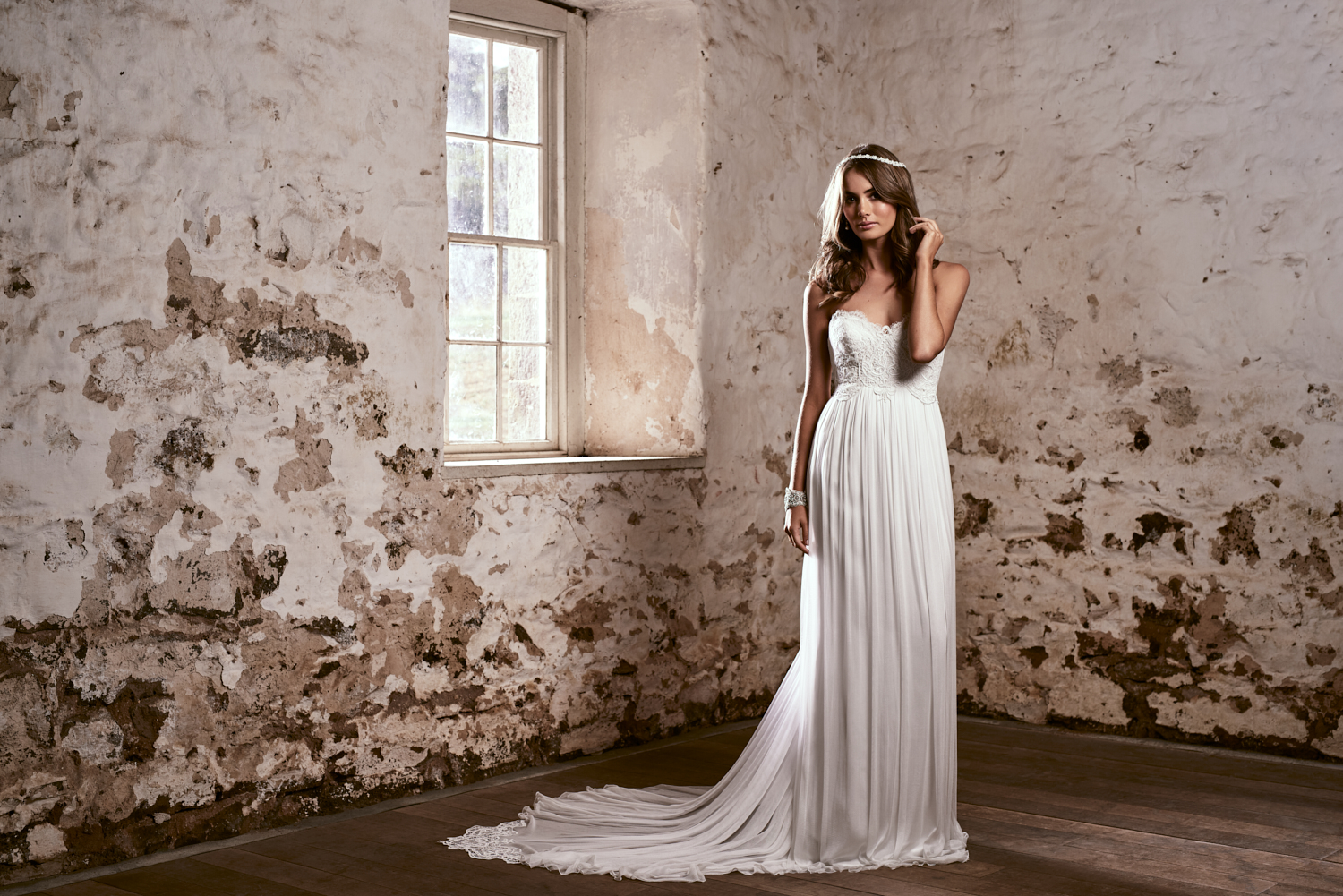 Brooklyn Wedding Dress by Anna Campbell | View on LOVE FIND CO.