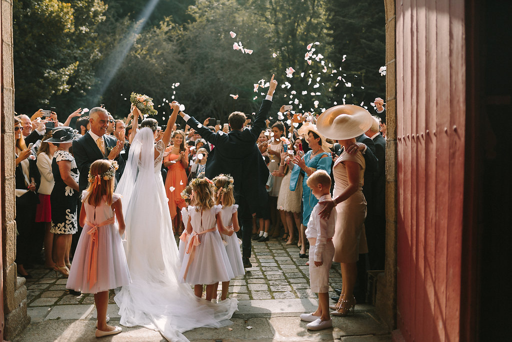 Beautiful French Wedding featured on LOVE FIND CO.