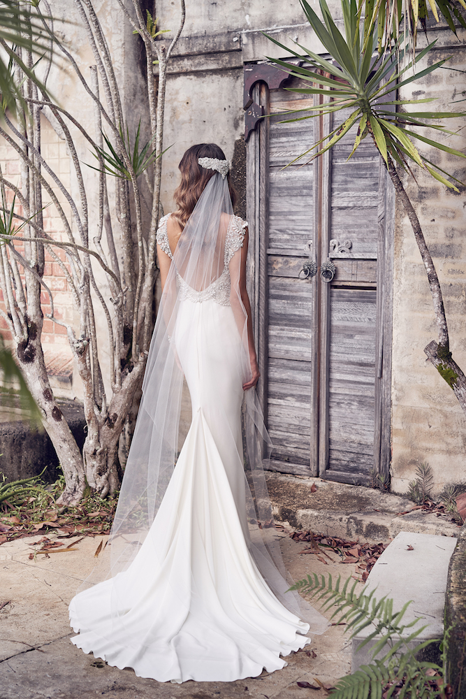 Aria wedding dress by Anna Campbell features on LOVE FIND CO.