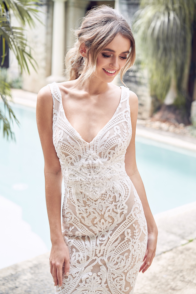 Jamie wedding dress by Anna Campbell features on LOVE FIND CO.