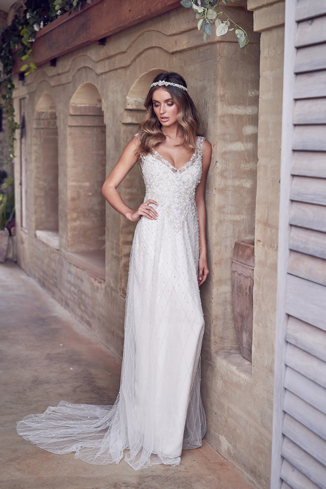 Paige wedding dress by Anna Campbell features on LOVE FIND CO.