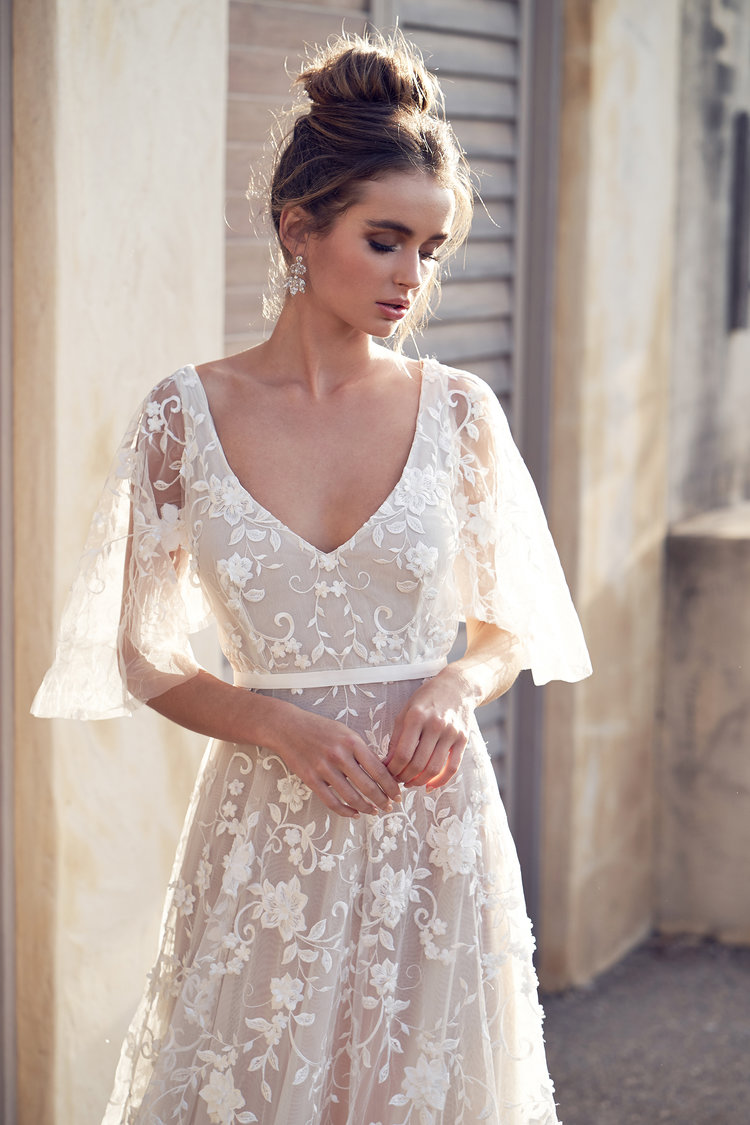 Anna Campbell Statement gown on LOVE FIND CO.