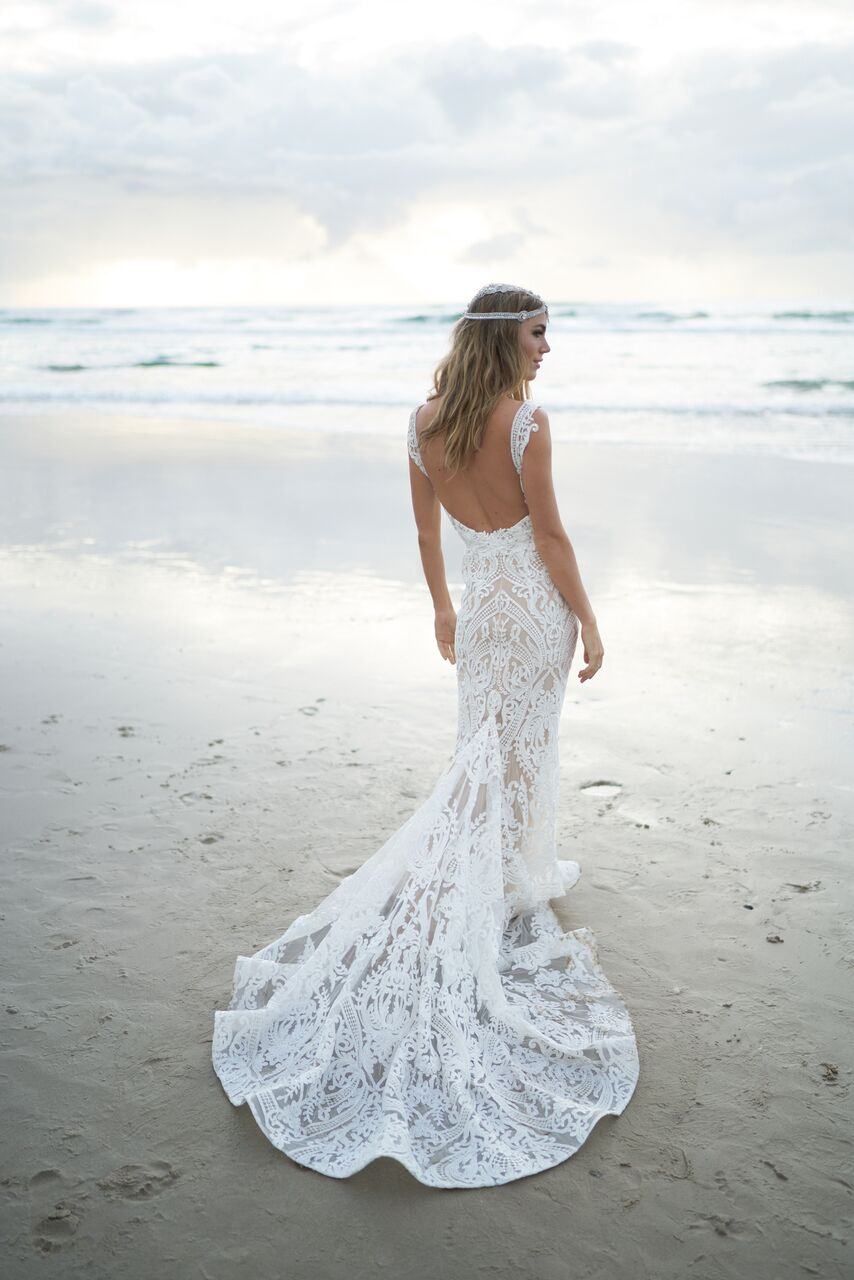 Jamie wedding dress from the Anna Campbell Wanderlust Collection exclusively featured on LOVE FIND CO.