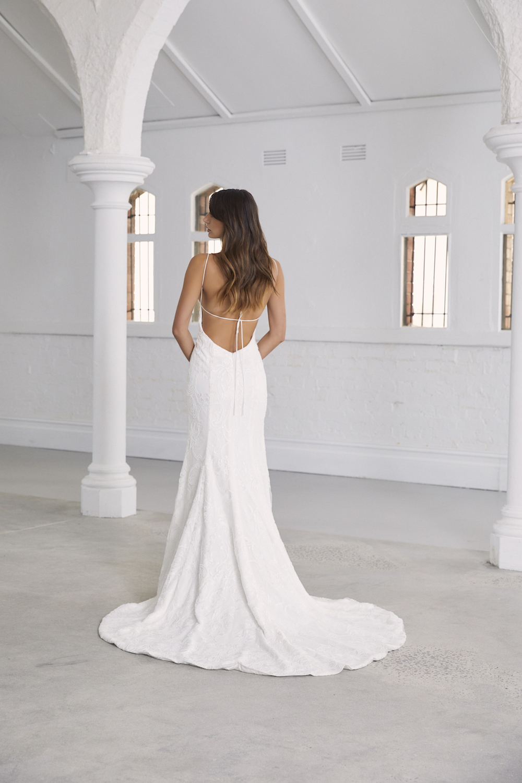 Amelie wedding dress by Amaline Vitale on LOVE FIND CO.