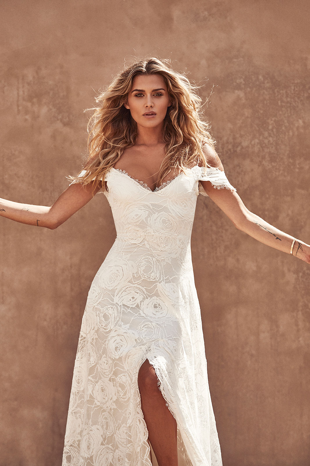 Bonita wedding dress by GRACE LOVES LACE | LOVE FIND CO. Bridal Dress Directory