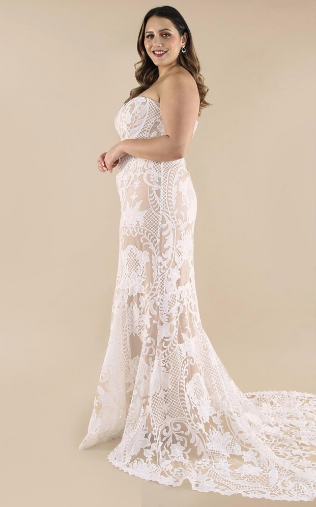 SHOWPO Let's Get Married Bridal Dress | 12 Bridal Gowns You Can Buy For Under $1,000 | LOVE FIND CO. Bridal Dress Directory