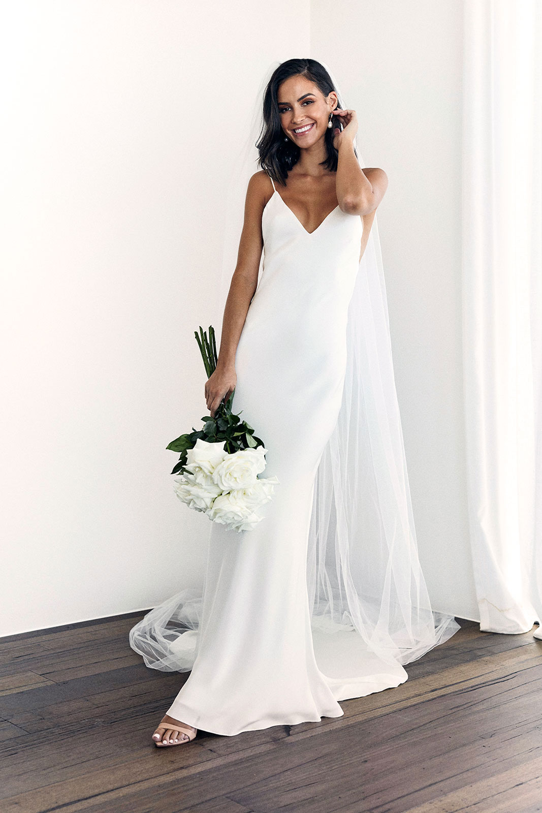 GRACE LOVES LACE Summer gown | Bridal Dresses under $2,000 | LOVE FIND CO. Bridal Dress Directory