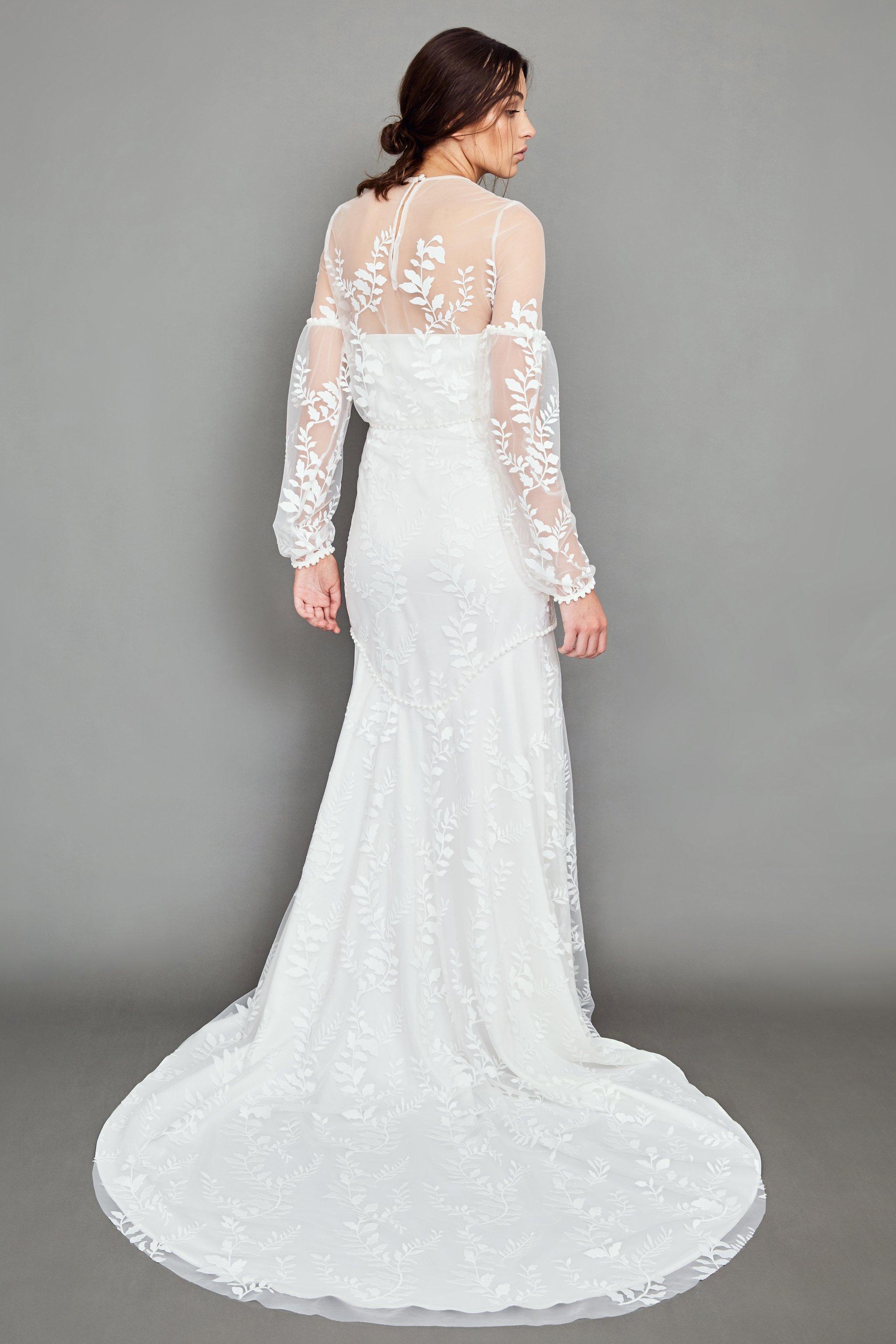 WHITE MEADOW BRIDAL Epic wedding dress | Wedding Dresses under $5,000 | LOVE FIND CO. Bridal Dress Directory