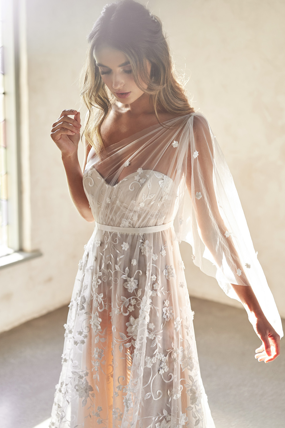 Avery wedding dress | Anna Campbell Lumiere Collection | LOVE FIND CO. Bridal Directory