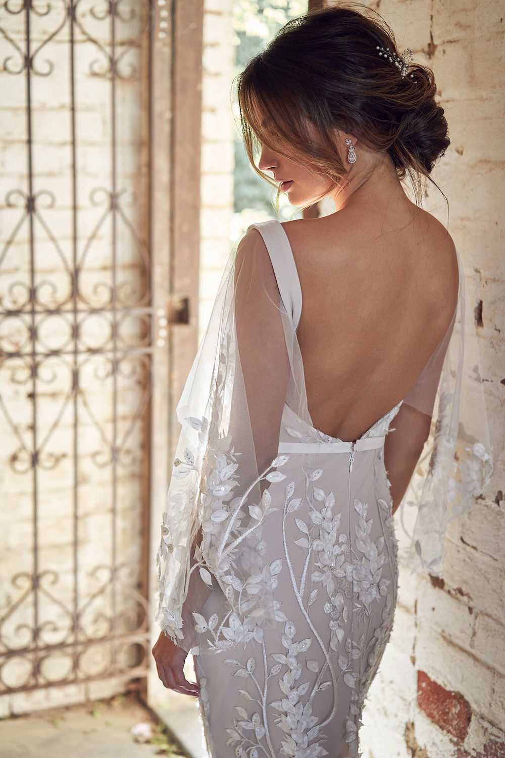 Willow Trumpet bridal dress with draped sleeves | Anna Campbell Lumiere Collection | LOVE FIND CO. Bridal Directory
