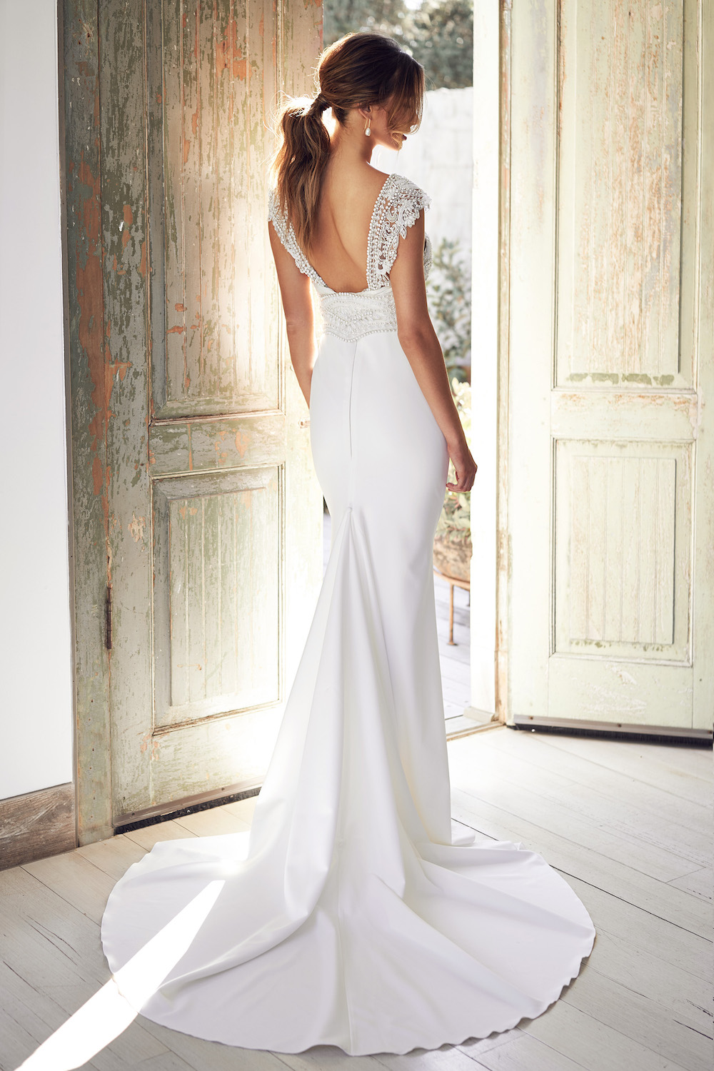 Sorrento Dress in Crepe | Anna Campbell Lumiere Collection | LOVE FIND CO. Bridal Directory