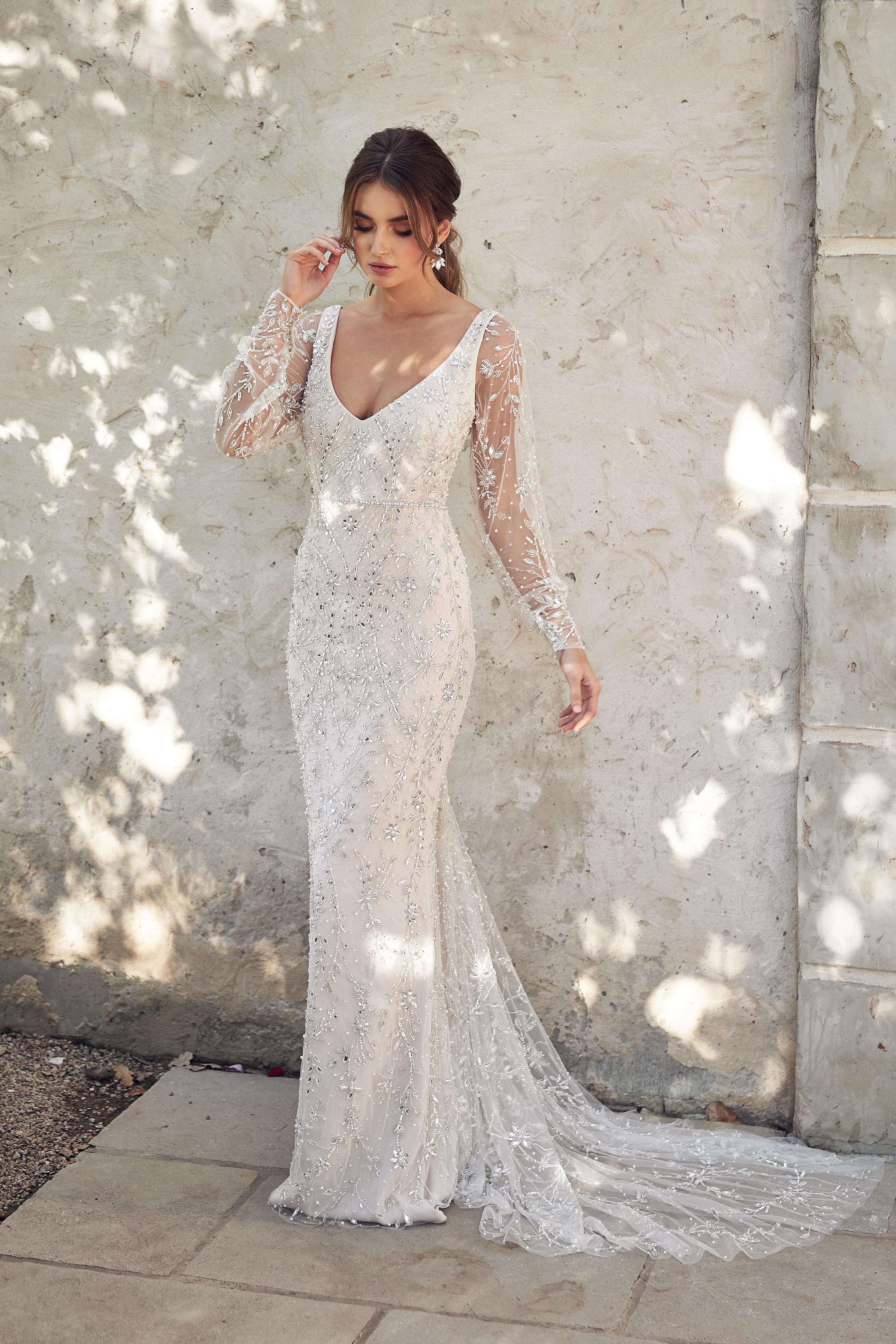 Anna Campbell Indigo Fitted Dress | Wedding Dress under $7,500 | LOVE FIND CO. Bridal Directory
