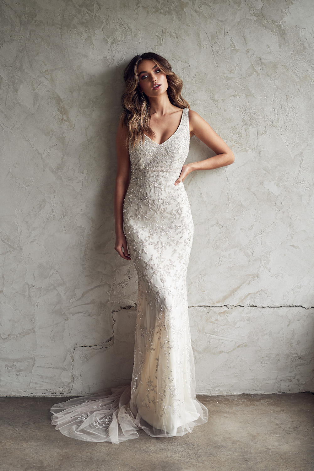 ANNA CAMPBELL Eden Fitted Dress | Wedding Dress under $7,500 | LOVE FIND CO. Bridal Directory