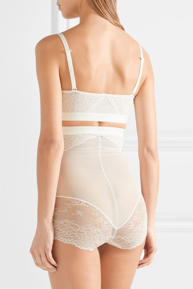 SPANX Spotlight Stretch Tulle and Lace High Rise Brief | LOVE FIND CO. Bridal Directory