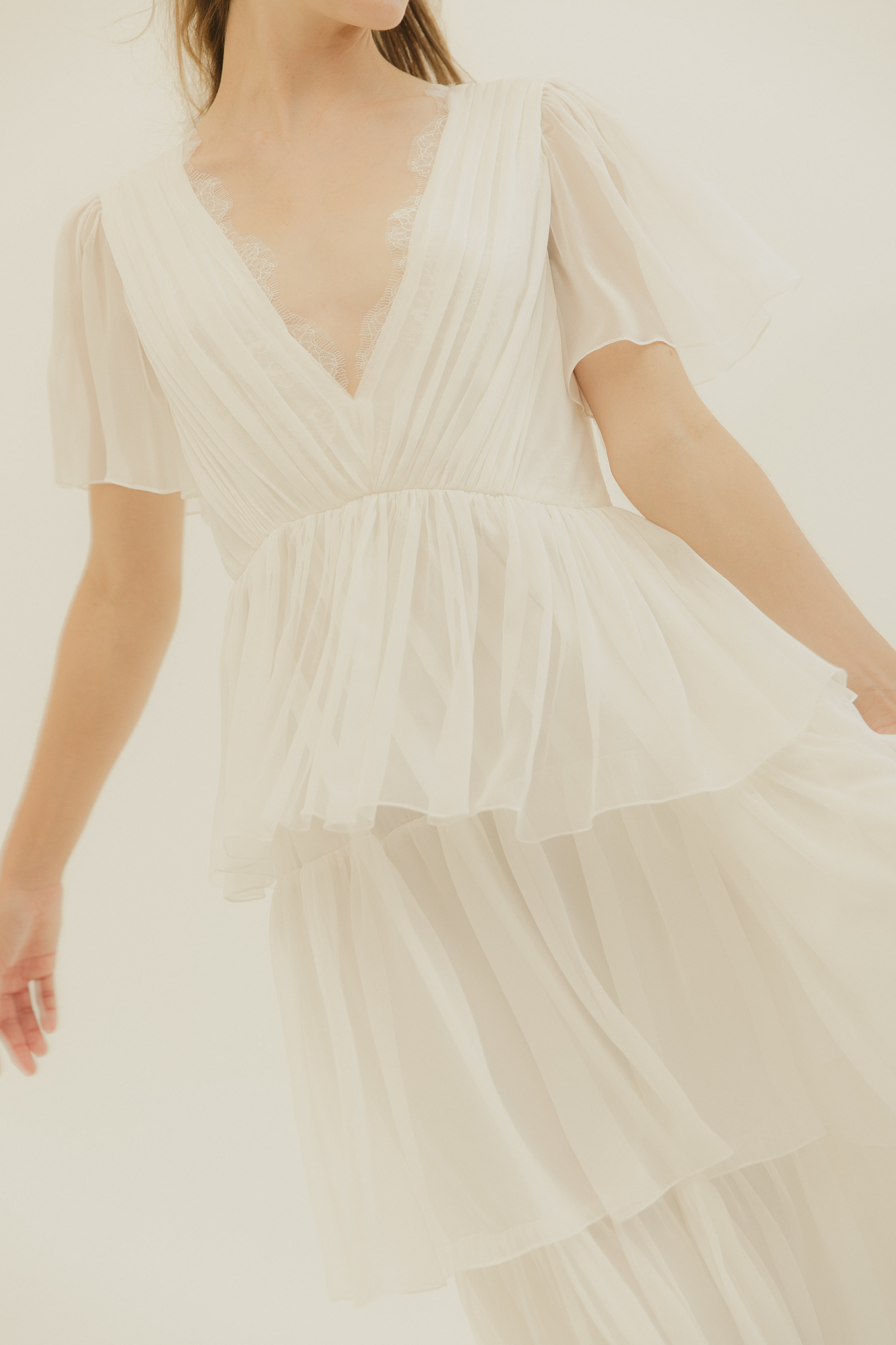New York bridal brand L.Wells Bridal featured on the LOVE FIND CO. Bridal Directory