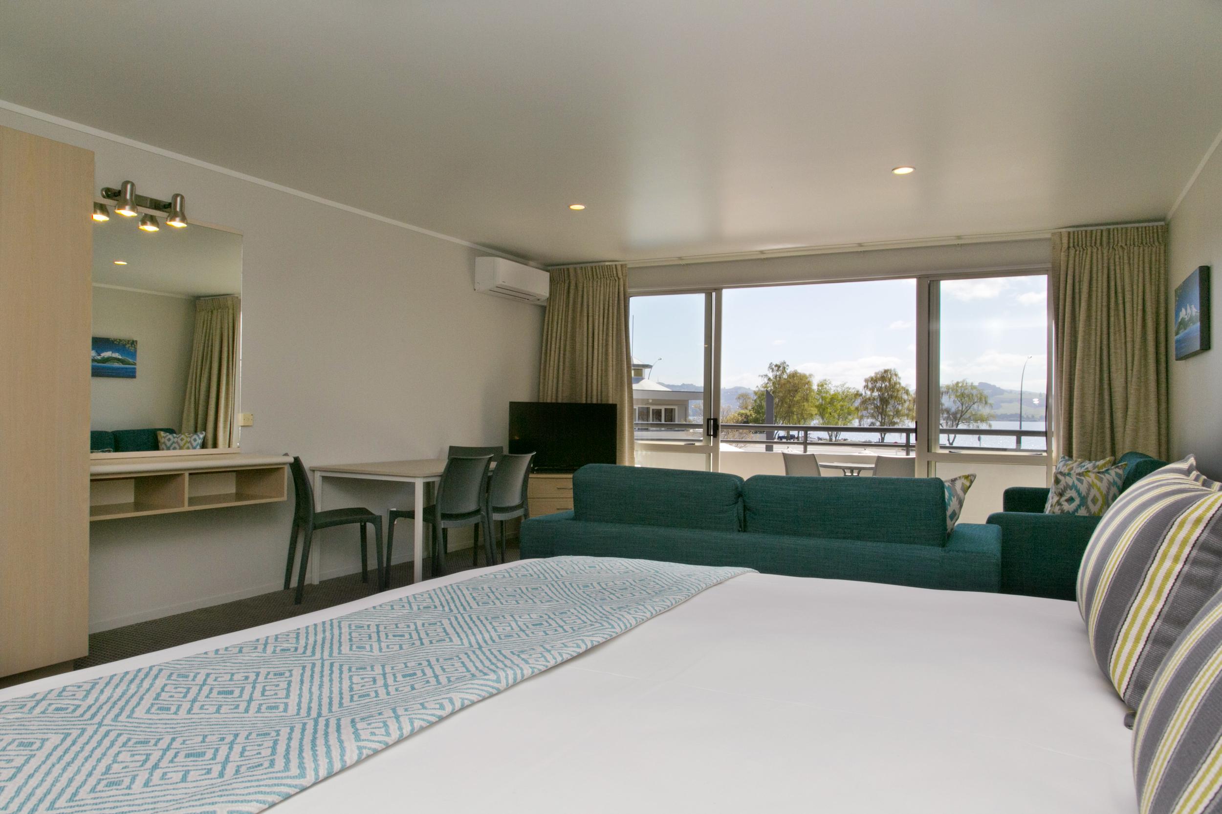 Spa Studio with Views of Lake Taupo