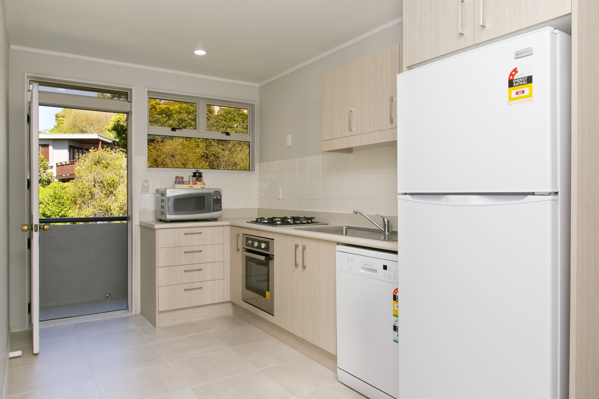 three bedroom kitchen.jpg