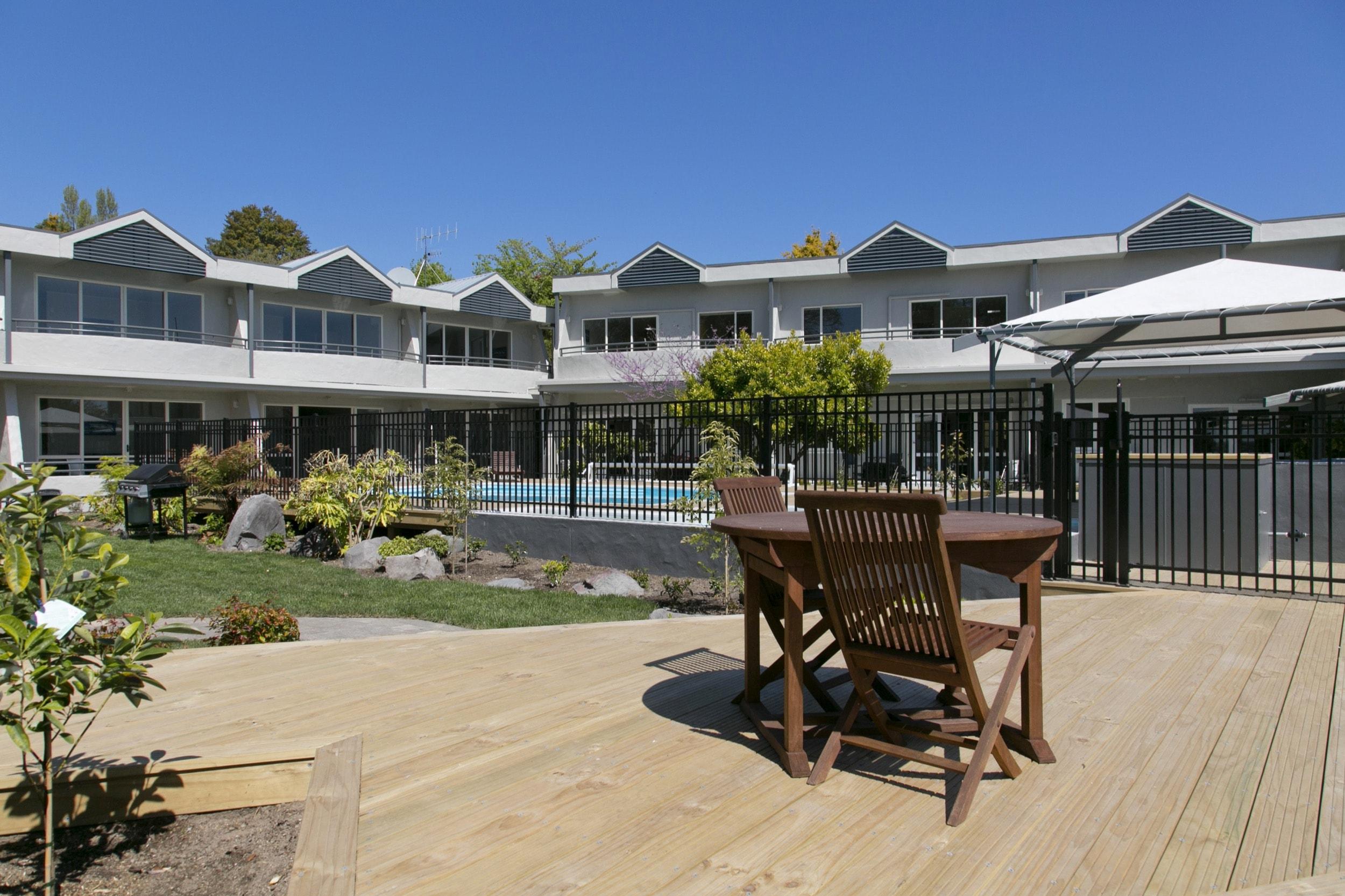 pool area deck 2-min.jpg