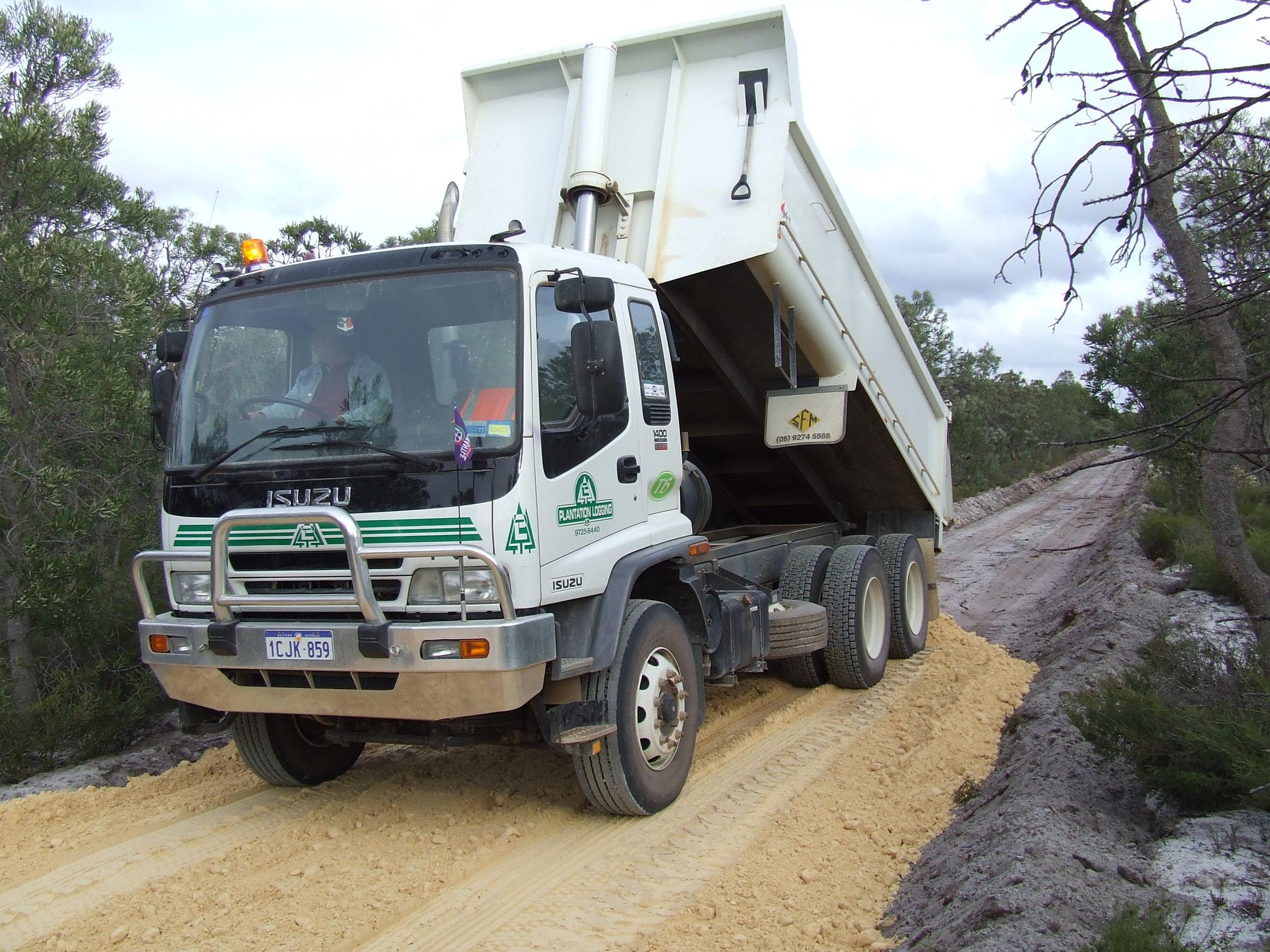 6wh truck2.JPG