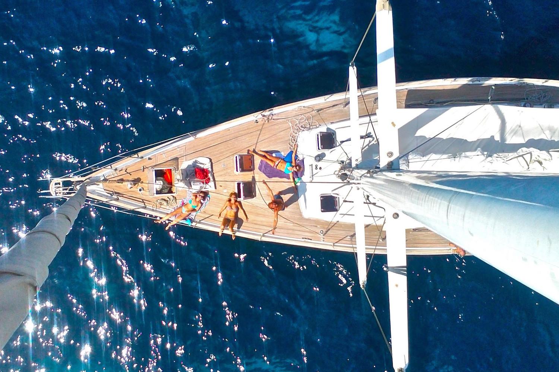 INTERSAILclub-yacht.jpg