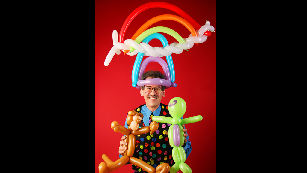 Balloon Artist - A carnival is not really a carnival if we don't have a balloon artist. We will have a balloon artist who is not only good at making shaped balloons, but also make your child smile.