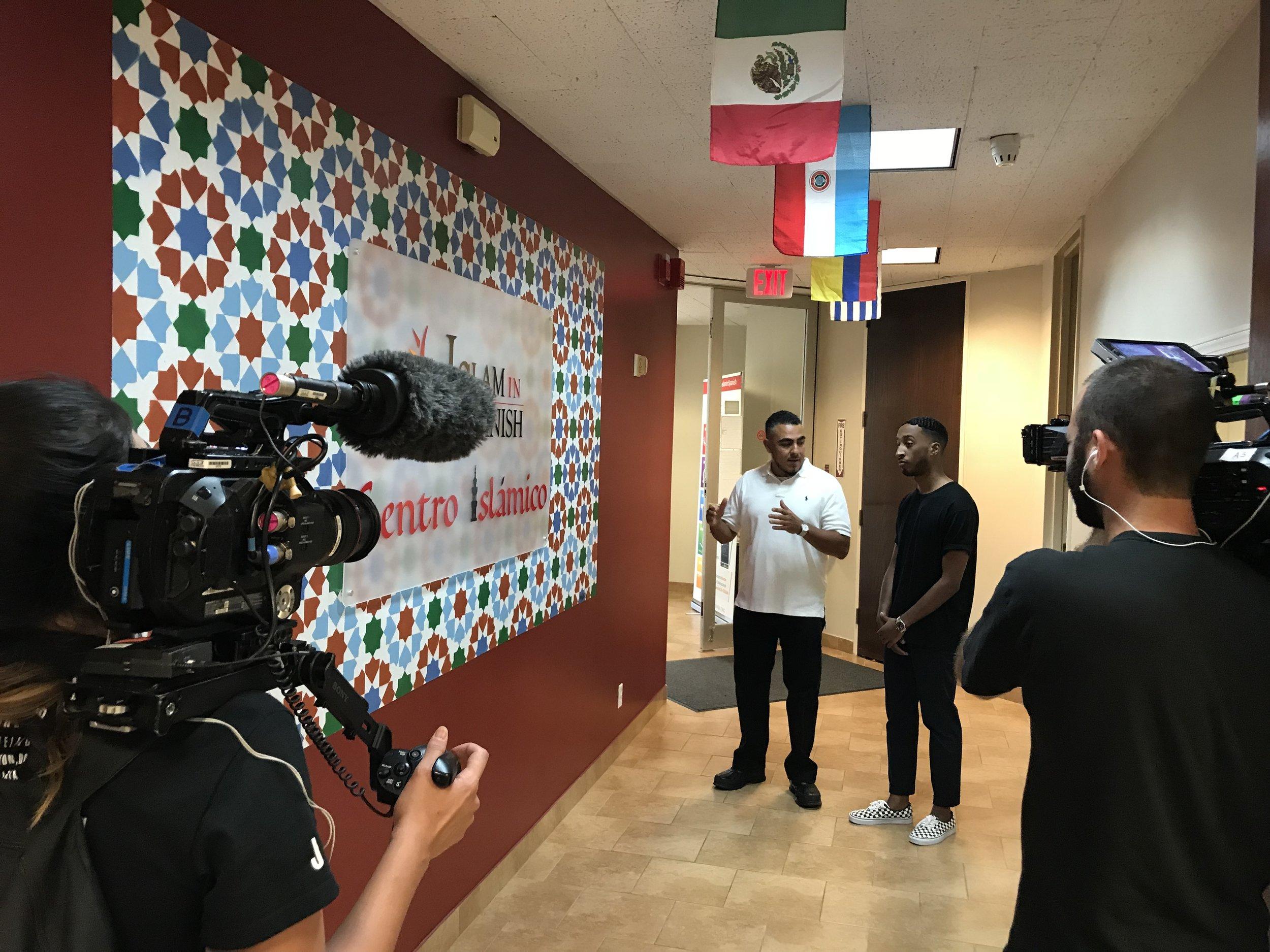 "Jaime ""Mujahid"" Fletcher, founder of IslamInSpanish, giving Vice host, Lee Adams, a tour of Centro Islamico."