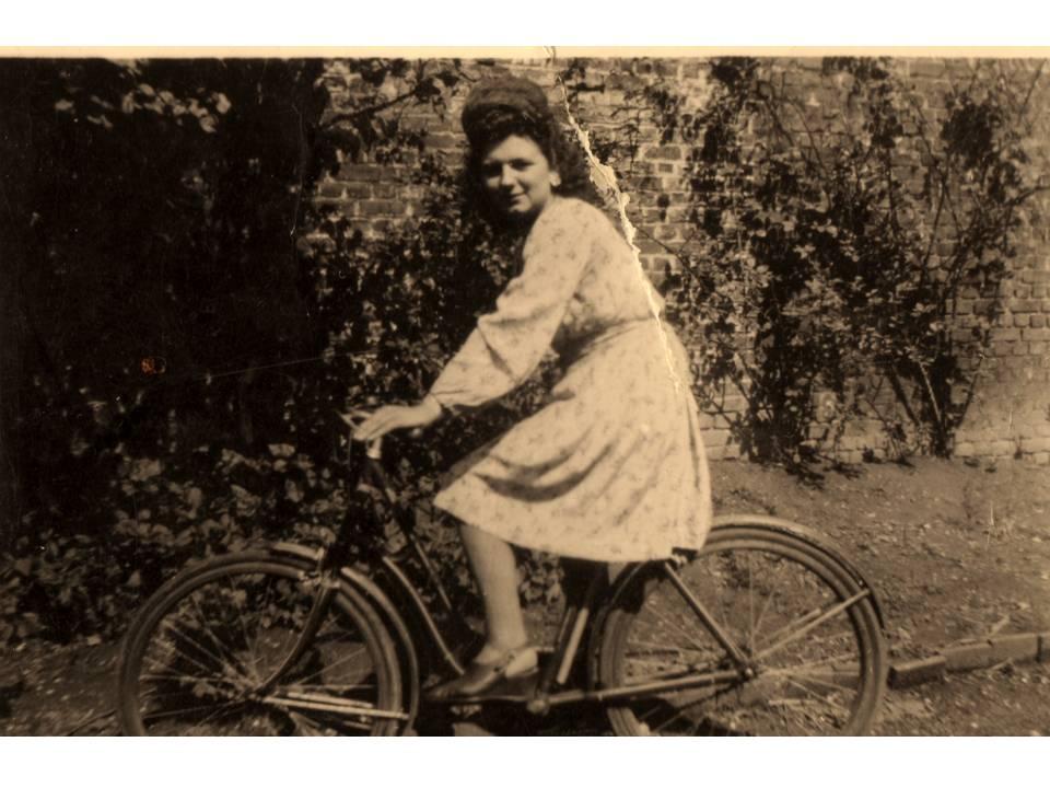 A 18-Year Old Grandma   1944