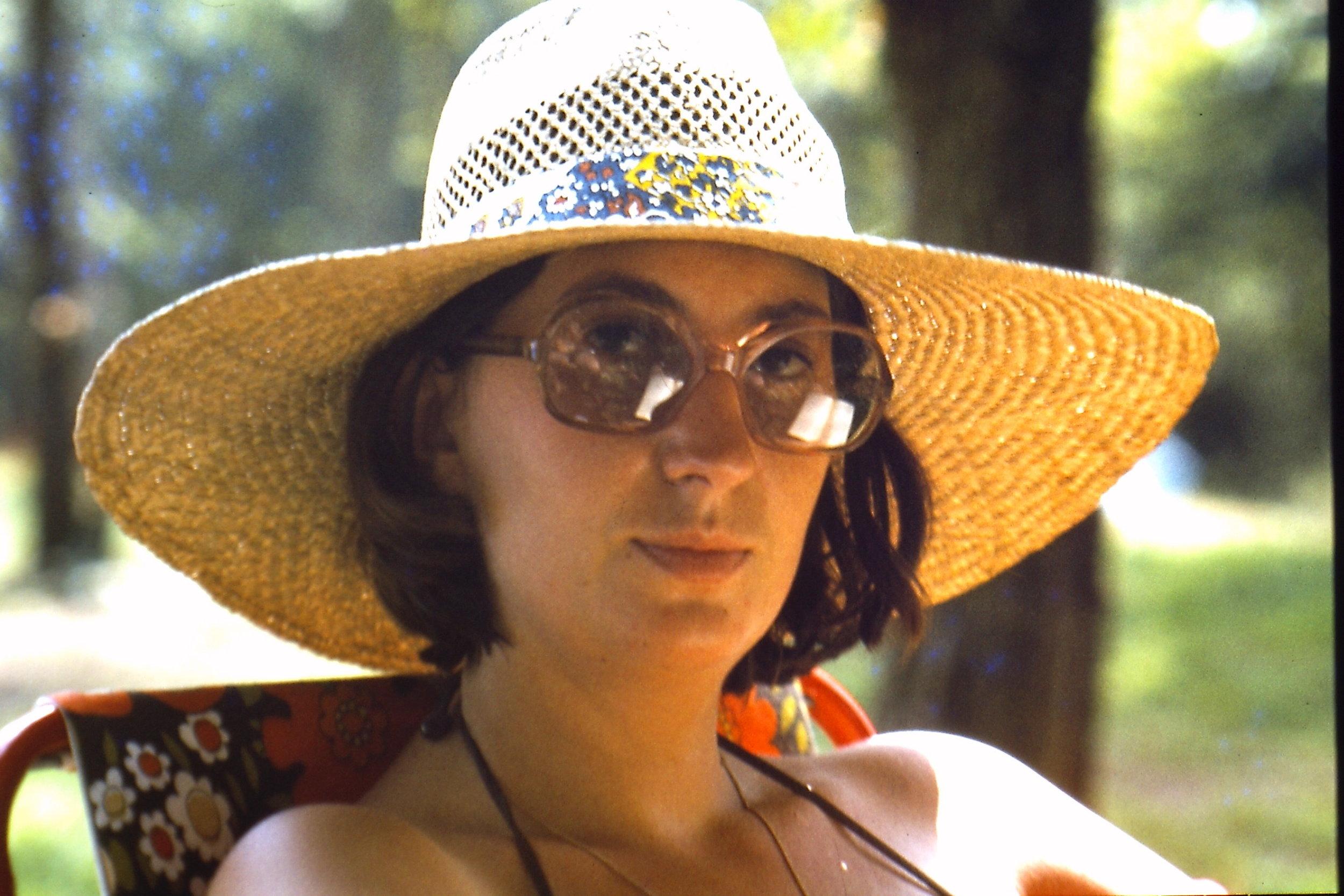 Mum and Hat   1977