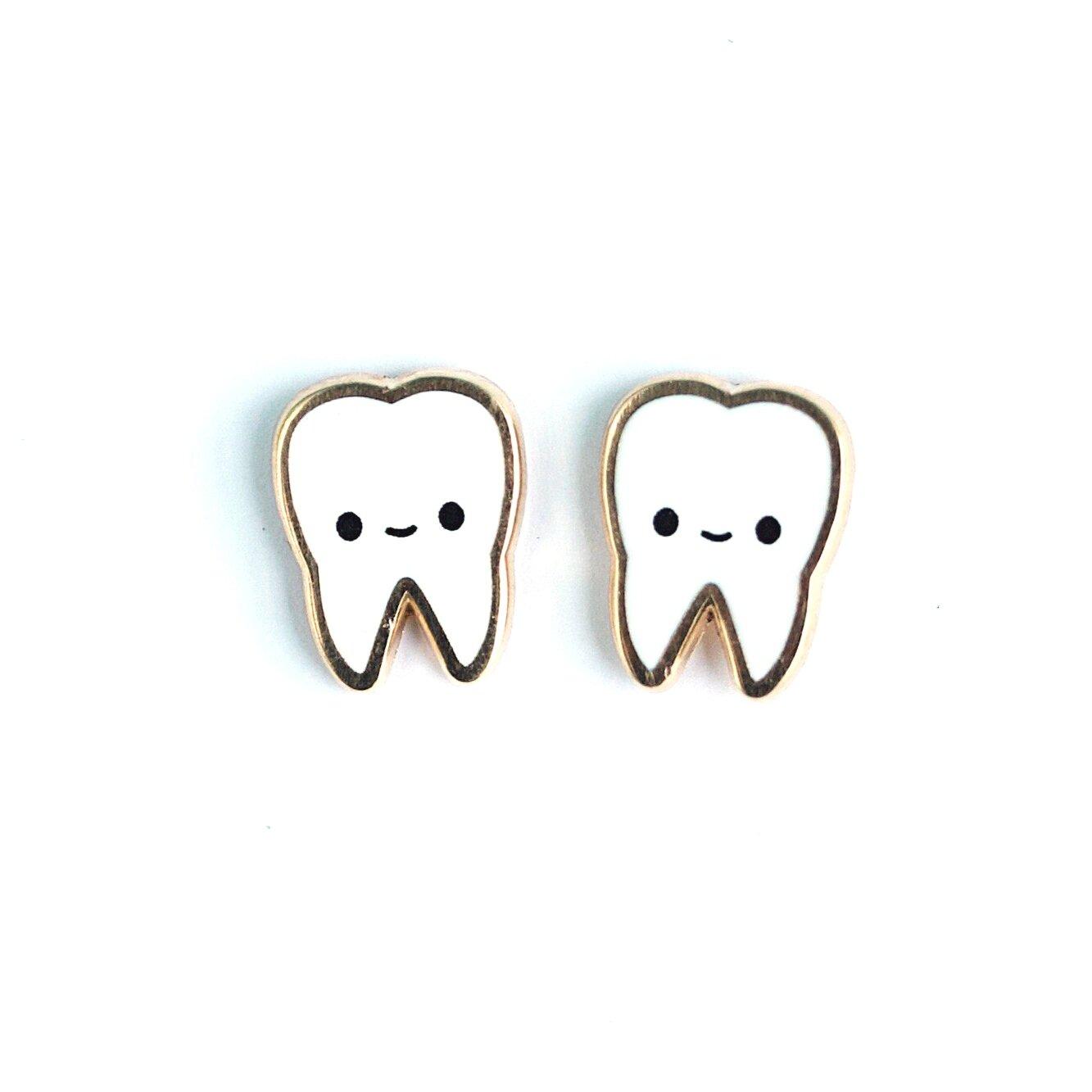 E24 - Teeth Earrings