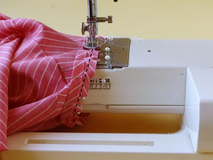 how-to-finish-an-armhole-with-bias-binding_8