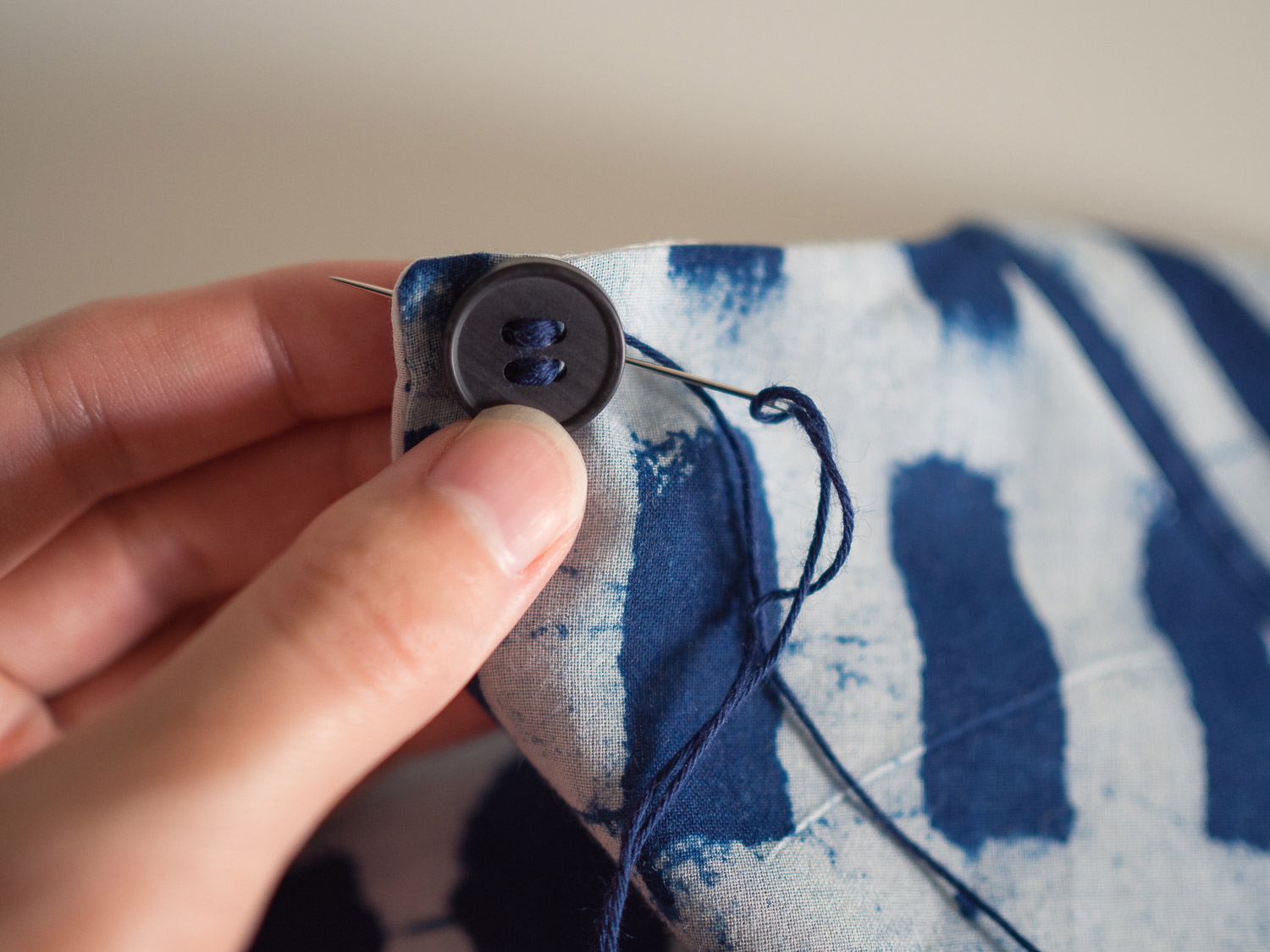 collins_sewing_button_9