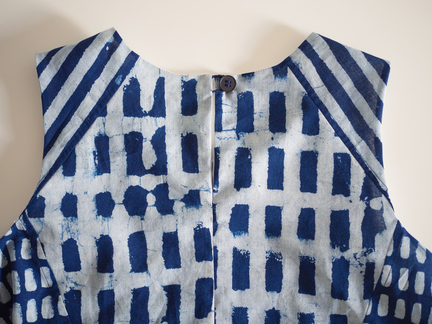collins_sewing_button_14