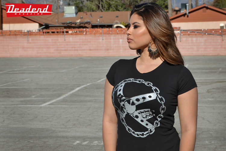 This ladies' t-shirt is also available.