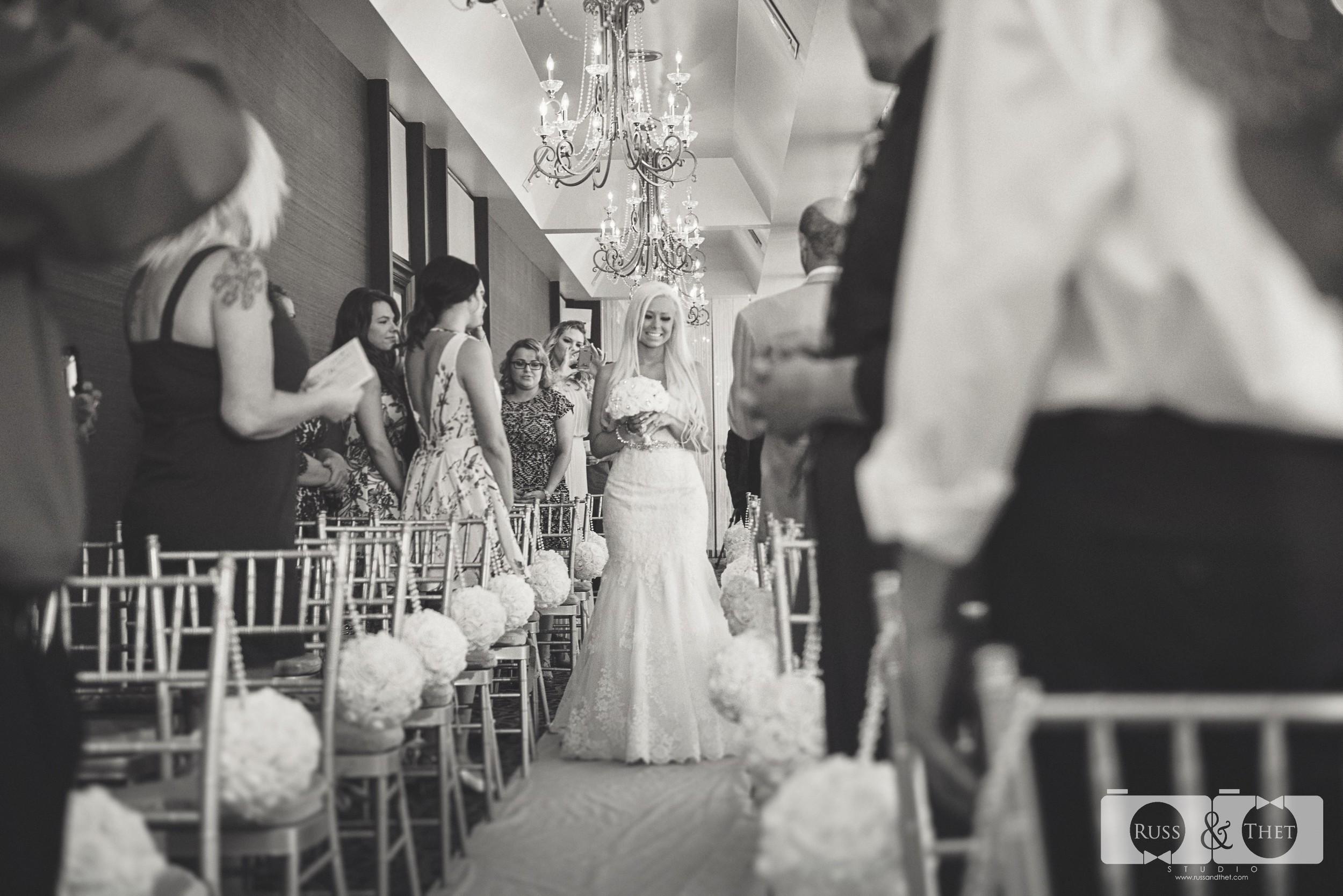 Jon&Kimee-The-Hills-Hotel-Wedding-Photographer (55).jpg