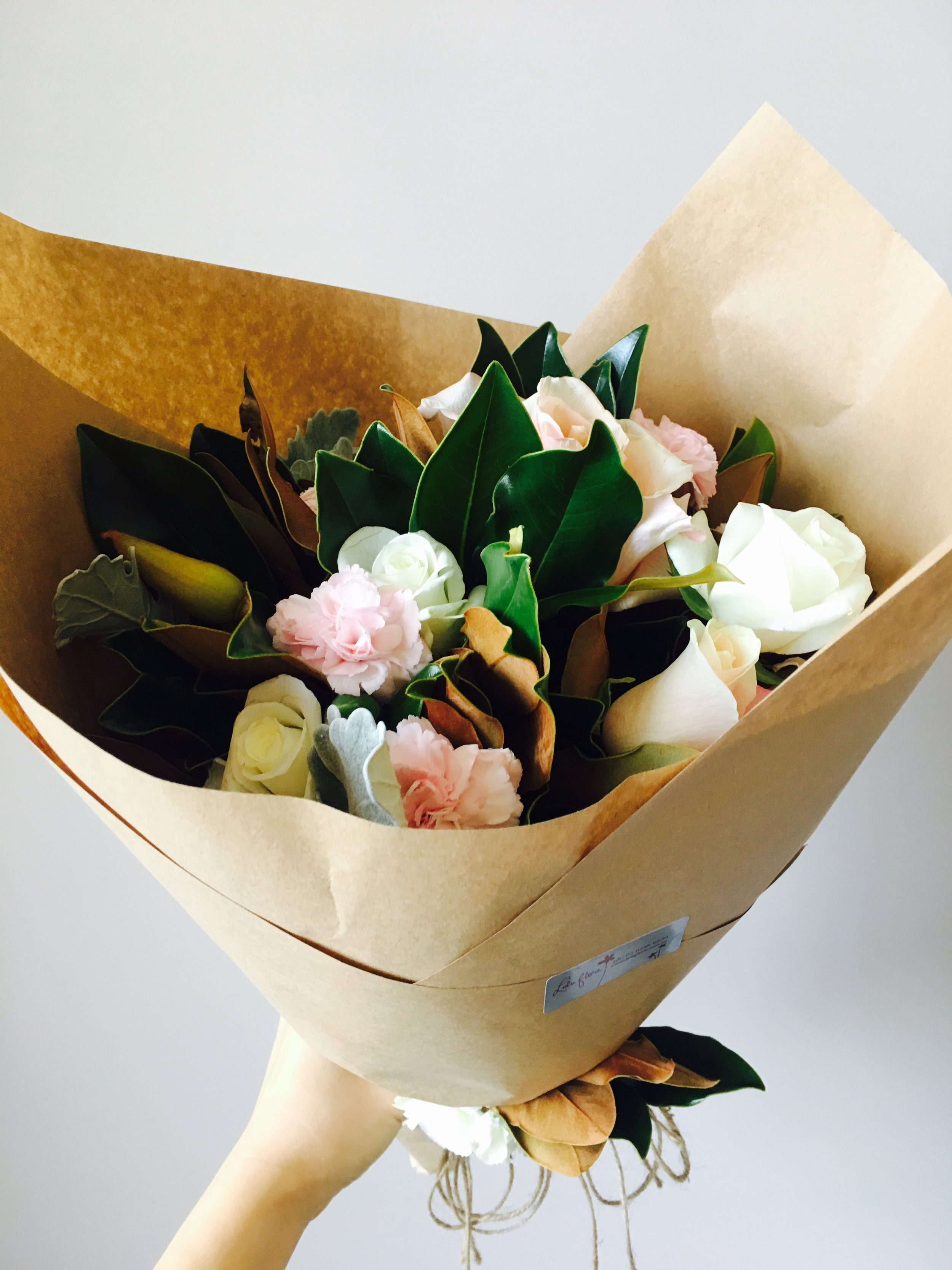 Surprise congratulatory flowers @Luluflora @inaloveyoon