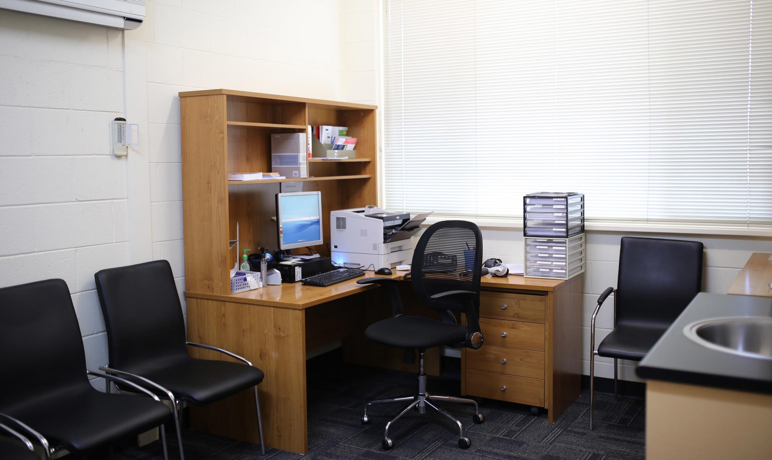 Home Slideshow_consult room.jpg
