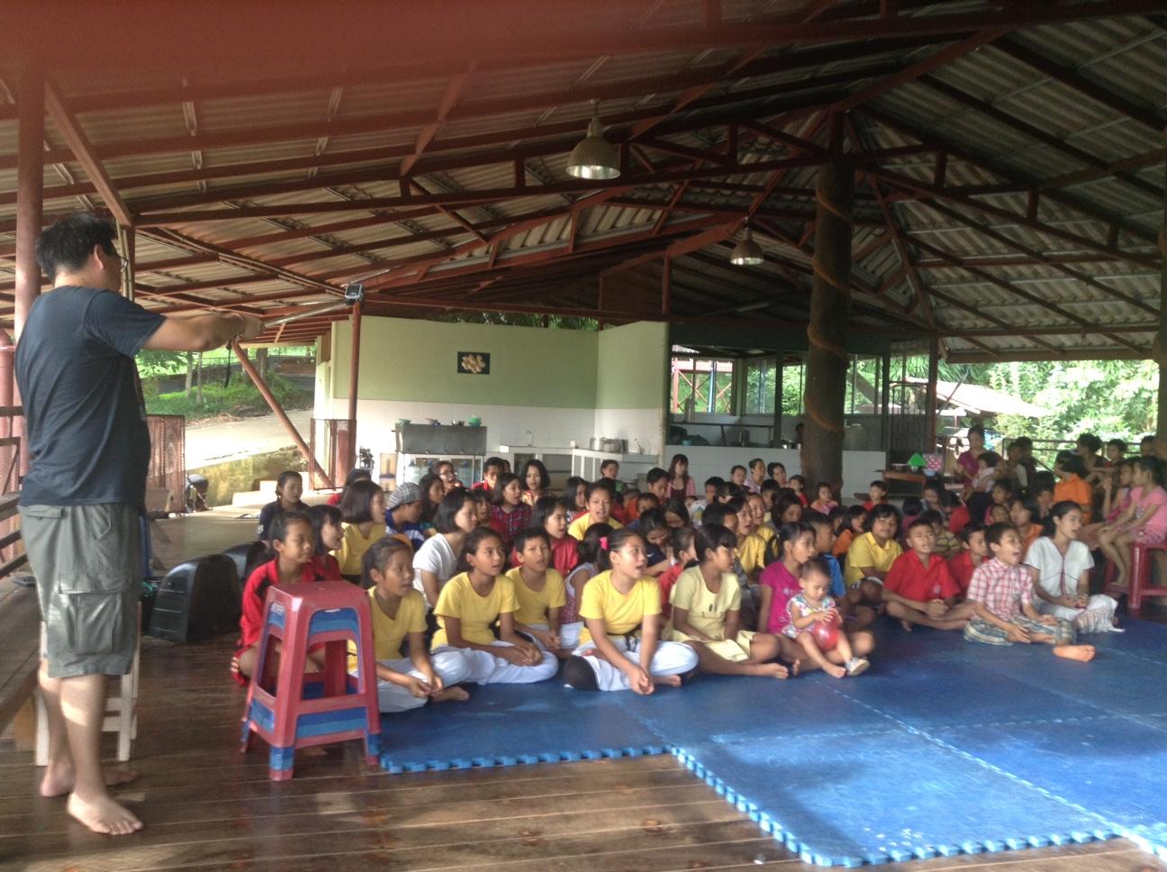 Baan Unrak Children at the canteen