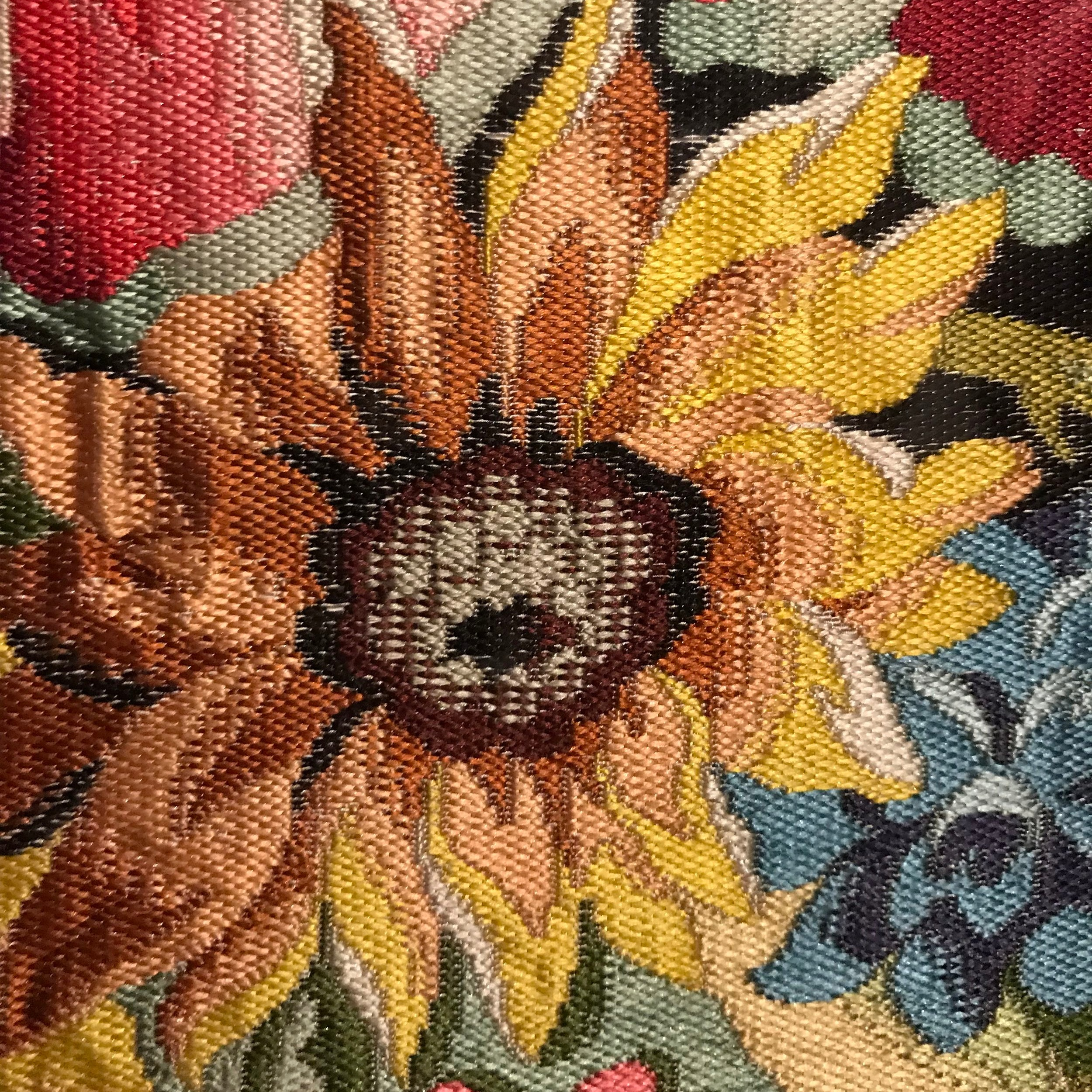 Stunning embroidery from Museé des Tissus - scroll down to see some more stunning pictures