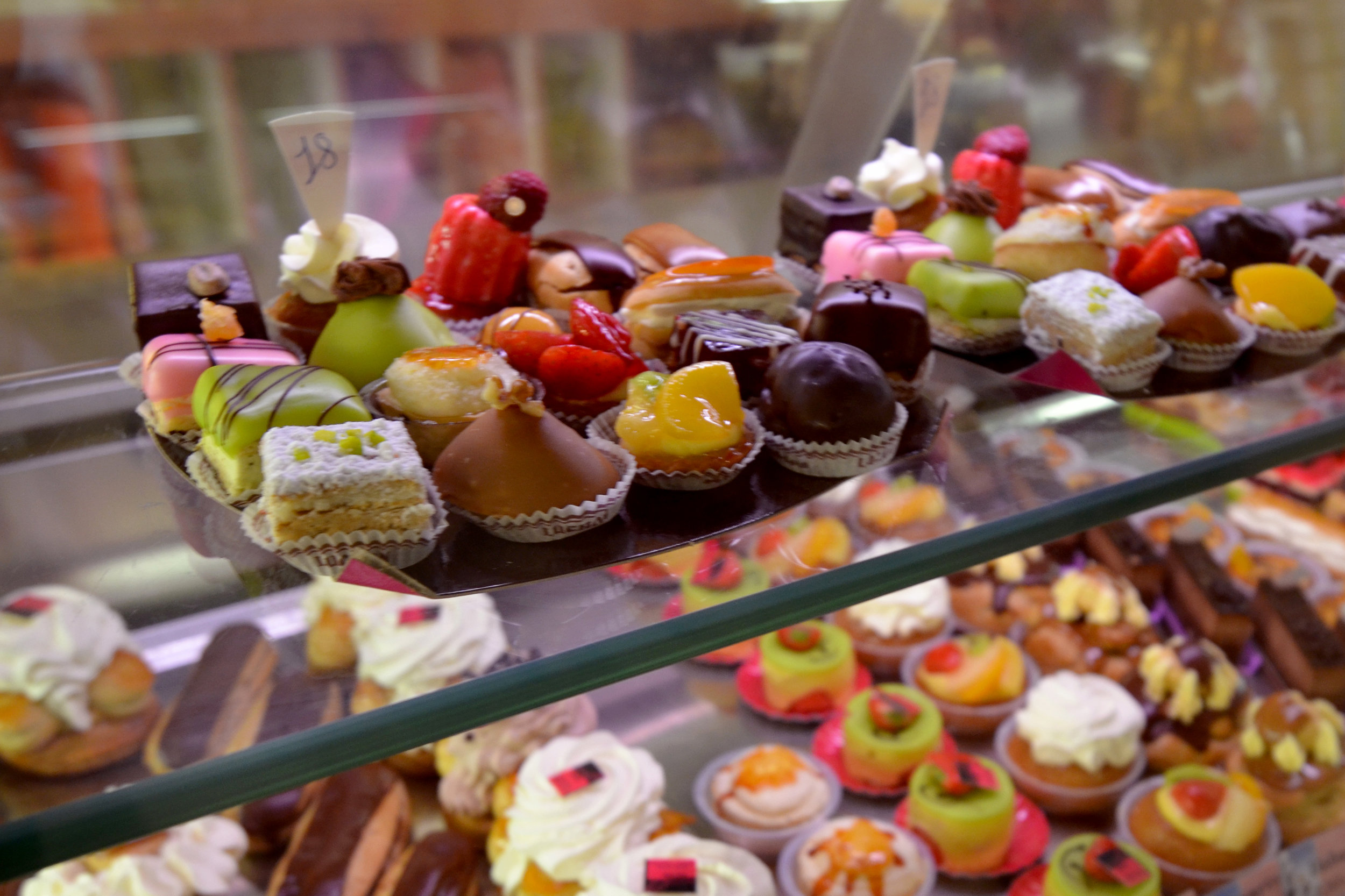 amazing cakes, pastries and sweets