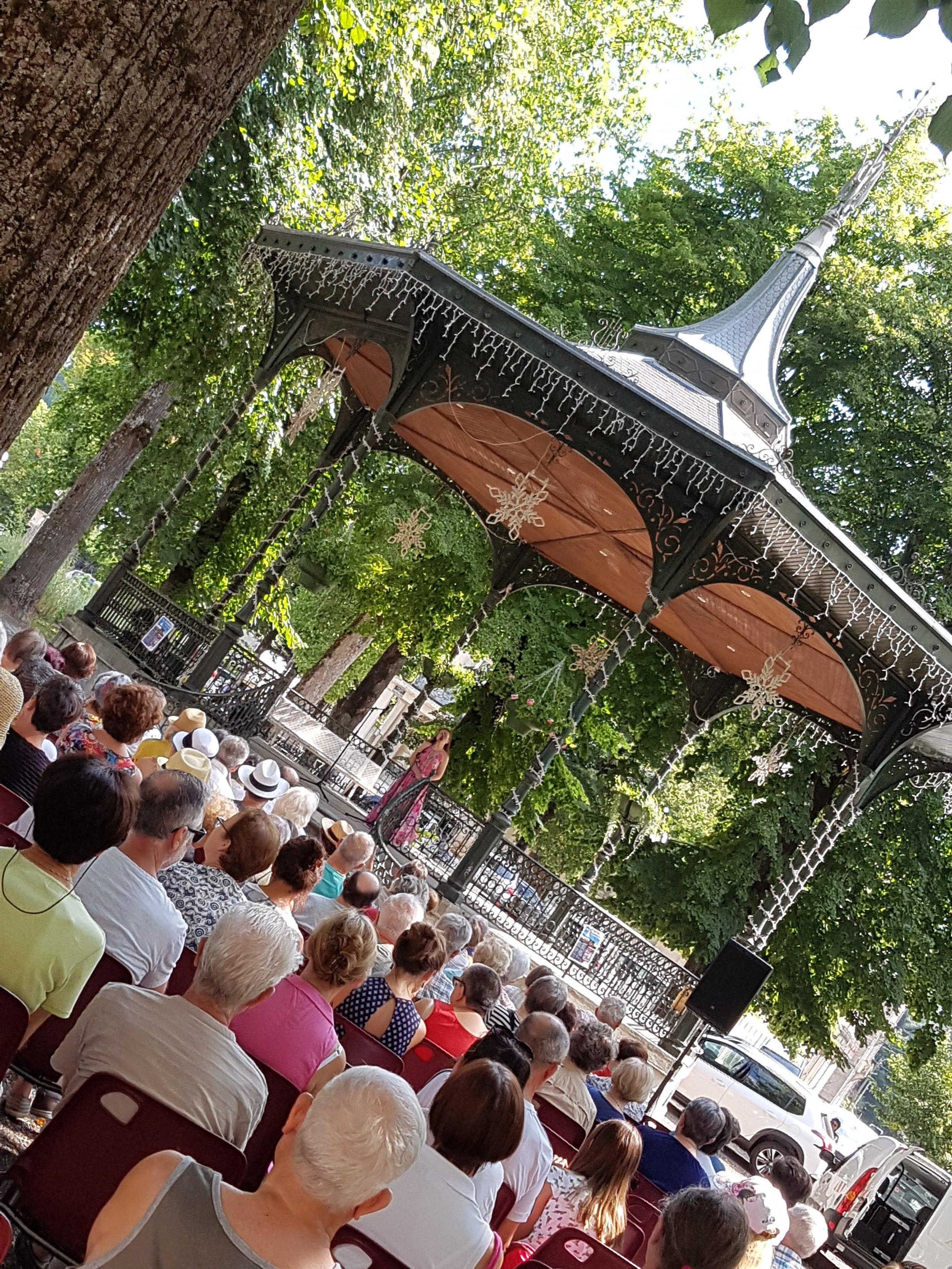 Luchon bandstand