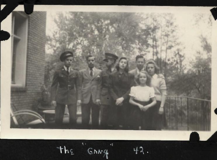 Schmid children Hill St 1942.png