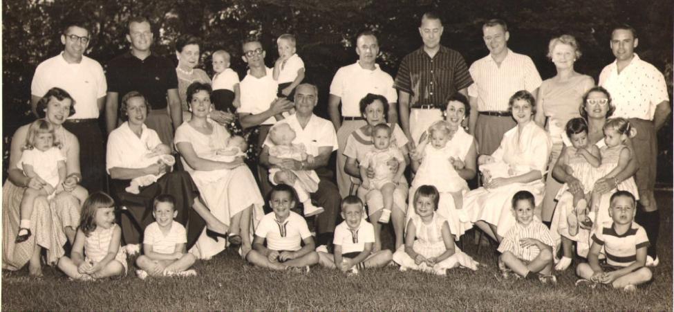 Schmid Family Reunion Summer 1958.png