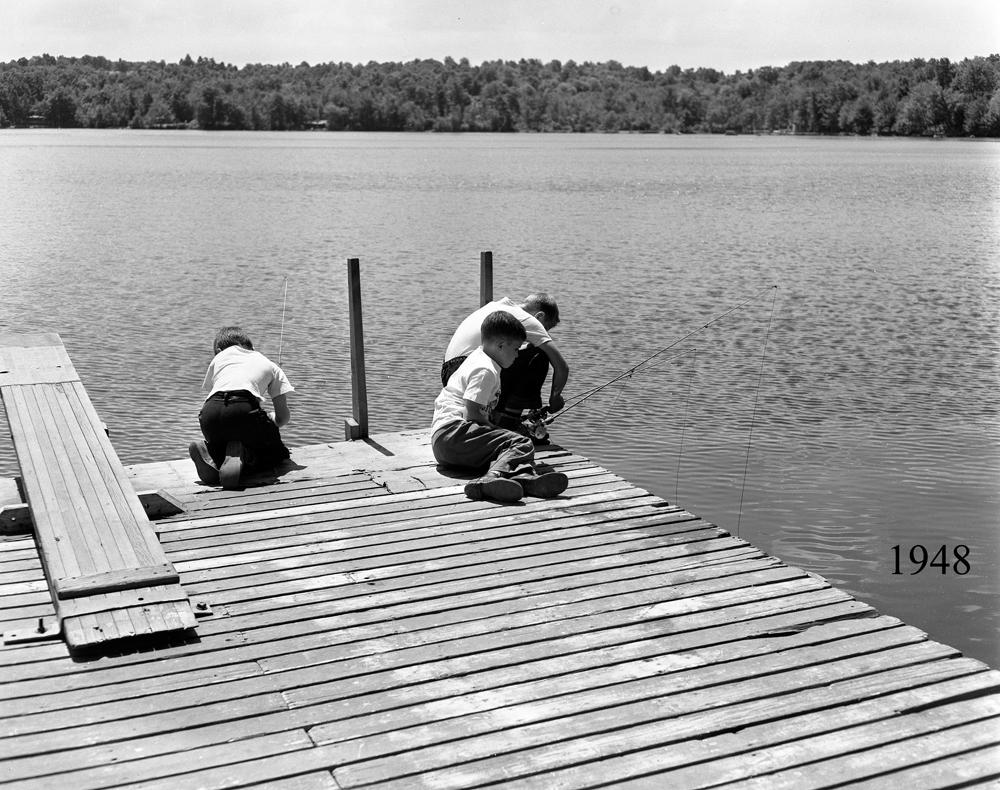 Boys on Dock 1948.jpg