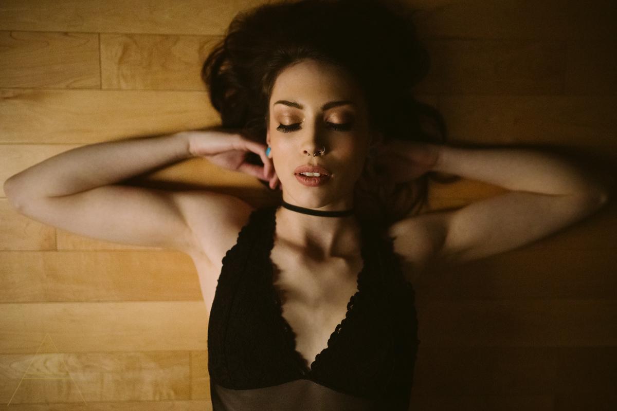aiota-boudoir-intimate-portrait-photography-vancouver-15.jpg