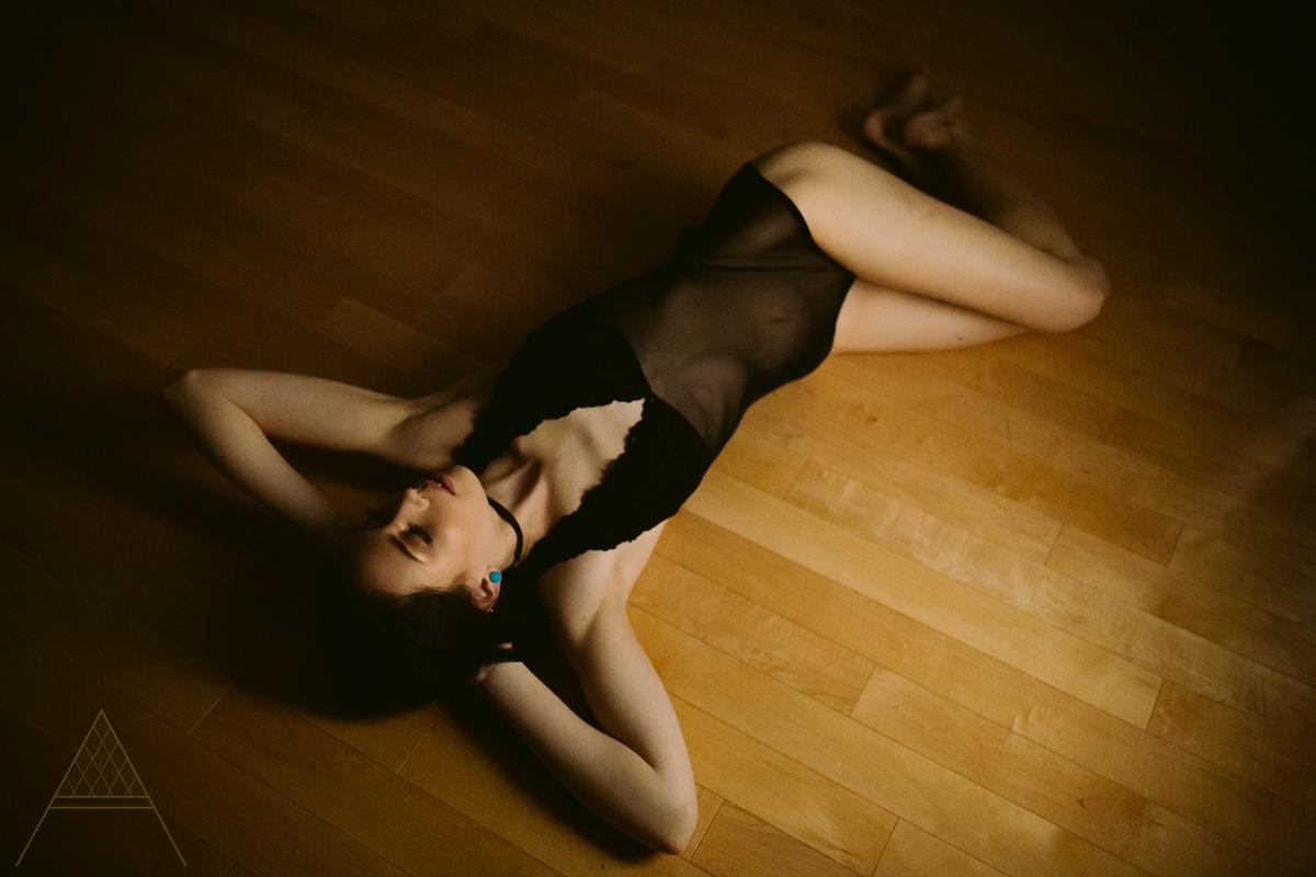 aiota-boudoir-intimate-portrait-photography-vancouver-20.jpg