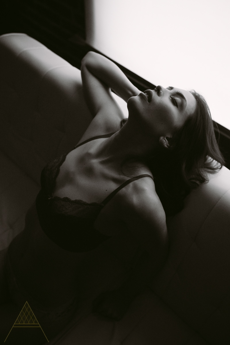 aiota-boudoir-intimate-portrait-photography-vancouver-22.jpg