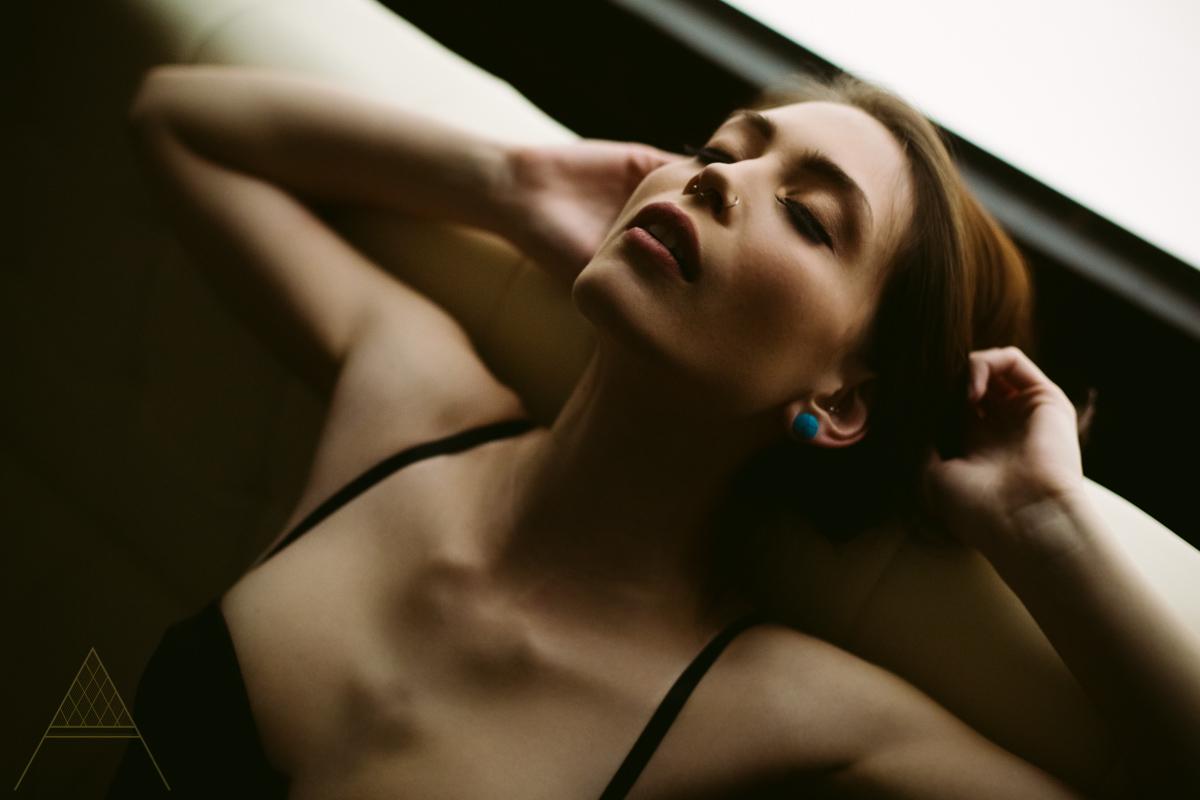 aiota-boudoir-intimate-portrait-photography-vancouver-32.jpg