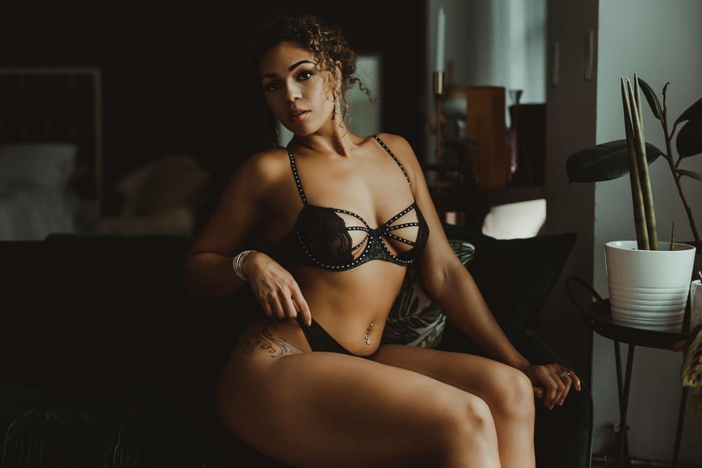 Best Boudoir Photographer Vancouver-22.jpg