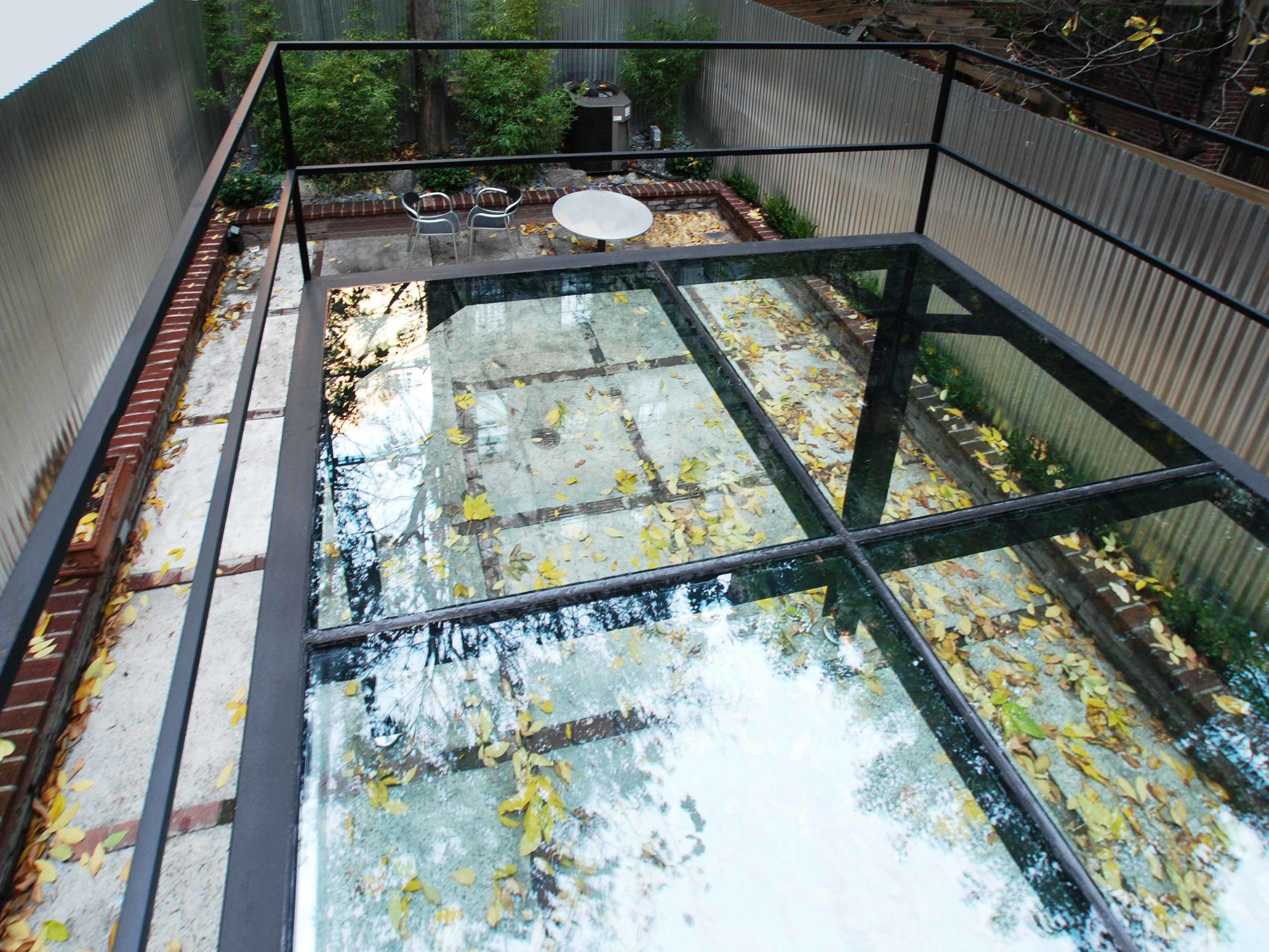 Serett Metalworks Residential Glassbalcony 5-29.JPG